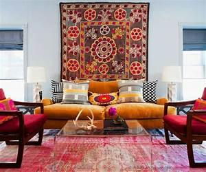 tapis ethnique une belle decoration mysterieuse et originale With tapis ethnique avec canapé mistergooddeal