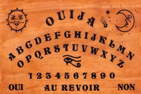 table de ouija la planche ouija invocation d esprits en direct