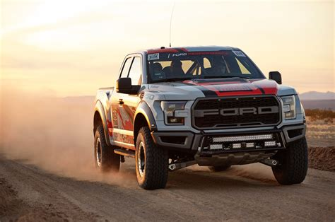 ford   raptor   desert racing