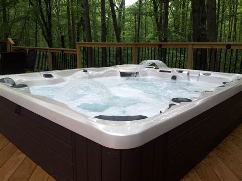 Hot Tub : Hot Tubs · Indianapolis · Recreation Unlimited