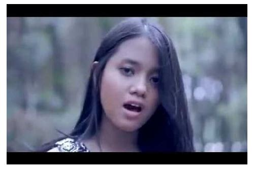 download lagu hanin dhiya i surrender mp3