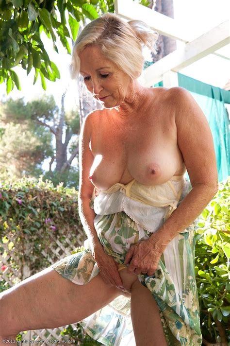 Amazing Granny Chris