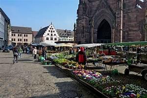 Markt De Freiburg Breisgau : freiburg im breisgau der markt am m nsterplatz t glich au er sonntag von morgens bis mittags ~ Orissabook.com Haus und Dekorationen