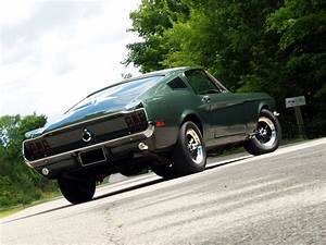 Muscle Car Madness: 1968 Mustang 'Bullitt' GT 390 Fastback Replica – RacingJunk News