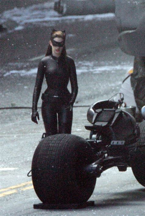 rises set images anne hathaway  catwoman  full