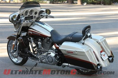 Review Harley Davidson Cvo Road Glide by 2011 Harley Cvo Glide Review Ultimate Motorcycling