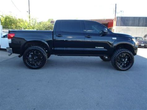 sell   tundra crewmax  lifted  wheels