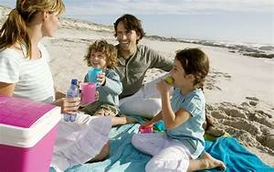 Picnic on the beach with family wallpapers and images ...