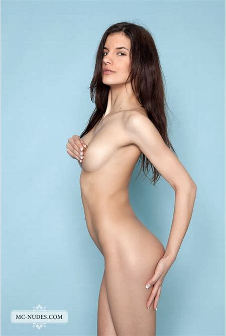 Kaylee is a young and sportive girl who loves to be naked » MC Nudes « Free Nude Art Teen ...