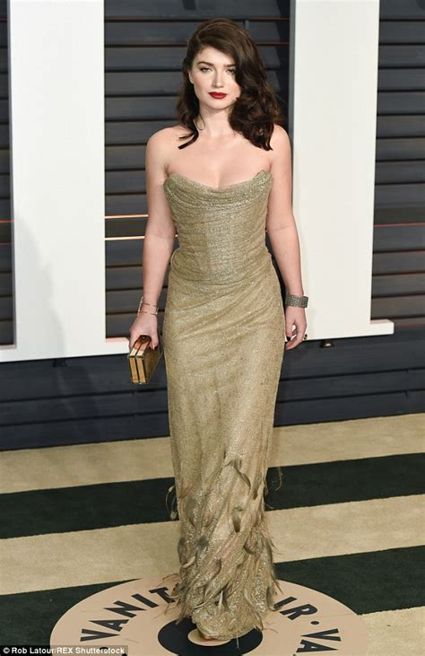evehewson sexy bono s daughter eve hewson puts her curves on display in