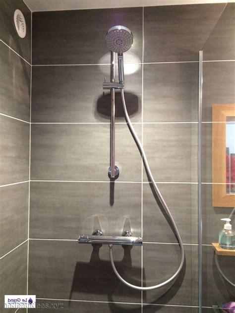 carrelage salle de bain sol noir peinture faience salle de bain