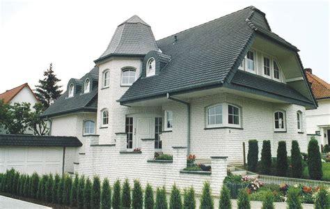 Moderne Häuser Mit Krüppelwalmdach by Landh 228 User Energieeffizient Massiv Und Nachhaltig Bauen
