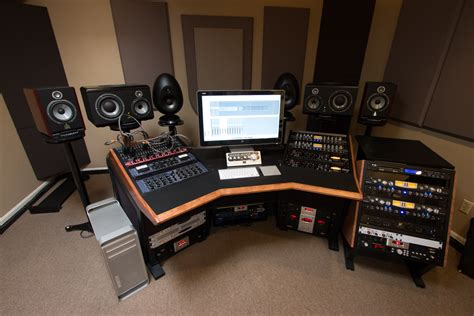 building a studio building a studio in 8 minutes uh i mean 3 days jim pavett