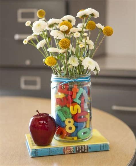 craft ideas for decorations best 25 school centerpieces ideas on 6183
