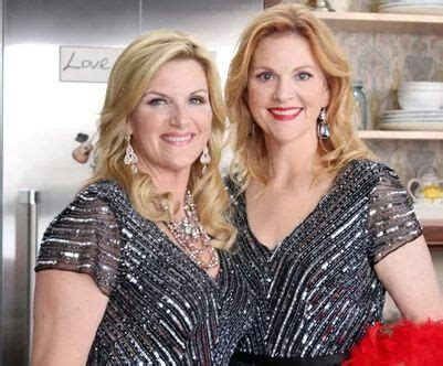 trisha yearwoods husband trisha yearwood husband family photos sister age height weight