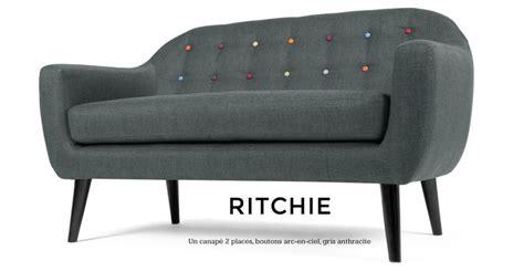 ritchie un canapé 2 places avec boutons arc en ciel en