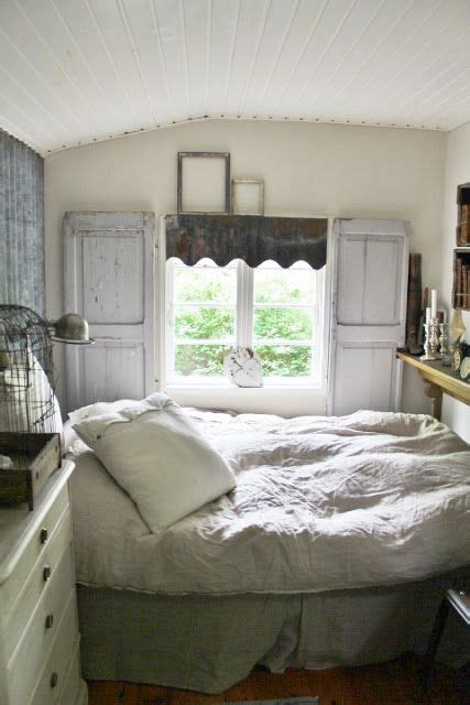 small cottage bedroom cozy cottage bedroom the bed would have to be single and 13310   55833d601fb18fa1540884b97c0a8cc6