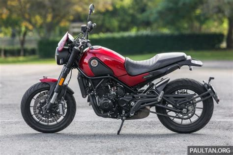 Leoncino Image by Review Benelli Leoncino The 500 Cc Baby