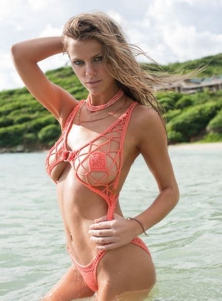 Brooklyn Decker Bikini Cameltoe & See Through Lingerie Pics