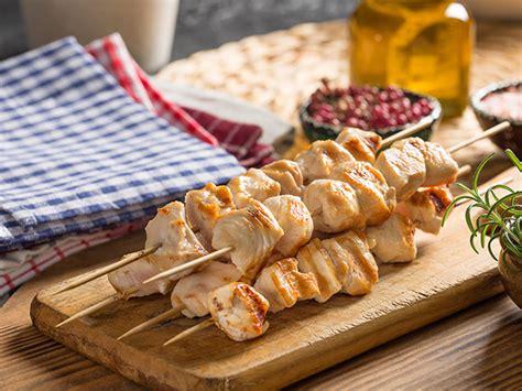 spiedini di carne come cucinarli spiedini di pollo come cucinarli al forno alla griglia e