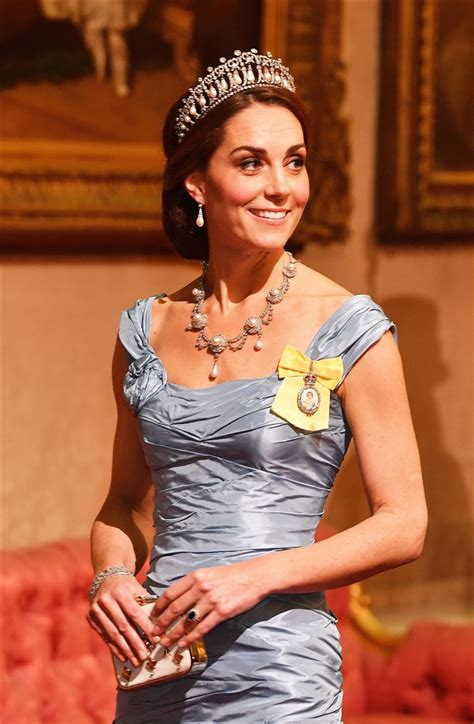 kate middleton dazzles  princess dianas tiara