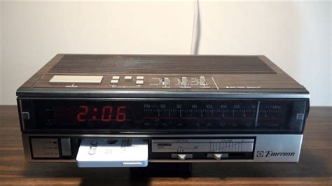 1984 Emerson Clock Radio/cassette Player Rc5806