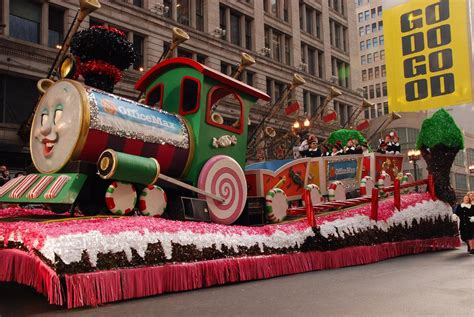 mcdonalds thanksgiving parade  route map