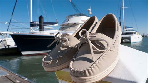 Best Boat Shoes 2017 by 15 Best Boat Shoes Reviewed In 2018 Nicershoes