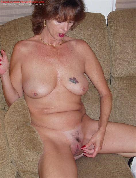 Nackte reife Amateur Frau