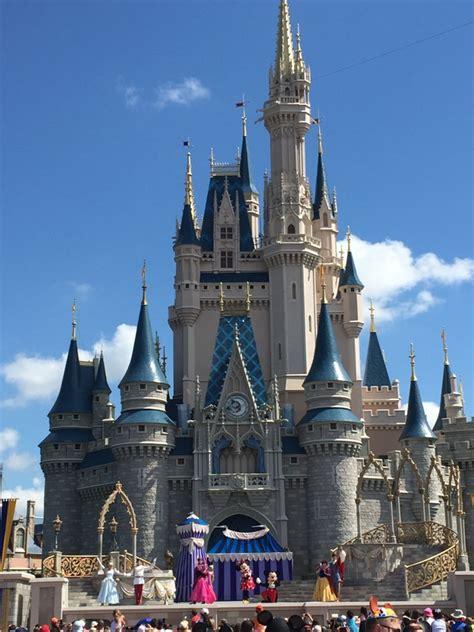 Walt Disney World Cinderella Castle Hub 3 Wdw Daily News