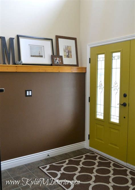 The Best Colours to Paint the Inside of Your Front Door