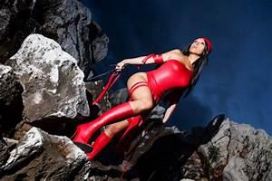 Elektra Natchios on the rocks by Giorgiacosplay on DeviantArt