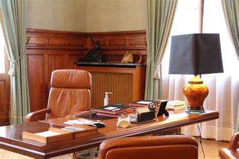 le bureau du maire et la cellule de crise de la pr 233 f l hebdo du vendredi