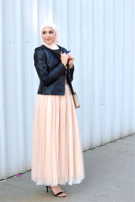 winter hijab street styles  leena asaad  trendy