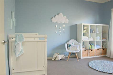chambre bébé fille et gris chambre bleu et gris idées déco en tons neutres et froids