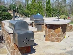 Homescapes Fertiges Haus : houston patio with smoker grill sink modern patio houston von homescapes of houston ~ Yasmunasinghe.com Haus und Dekorationen