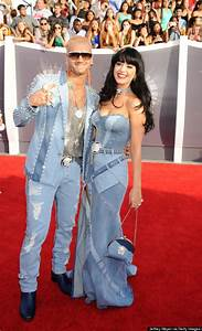 Britney Spears Responds To Katy Perry's Denim Outfit ...