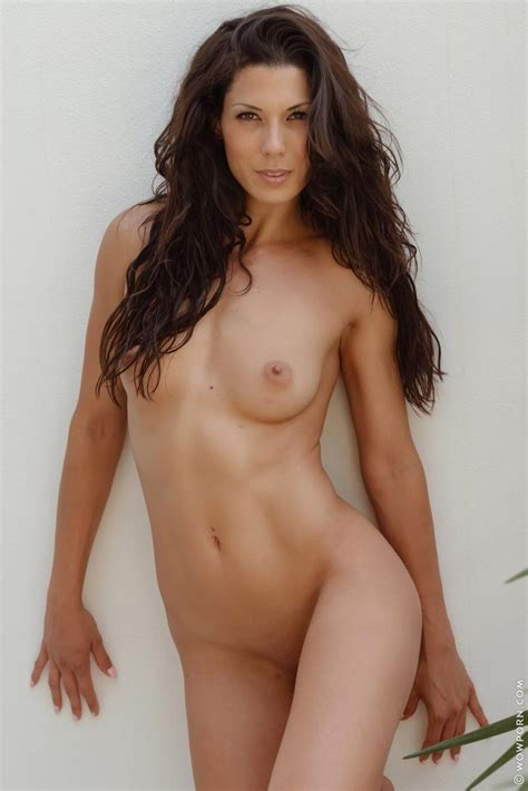 Alexa Tomas Tight Naked Brunette