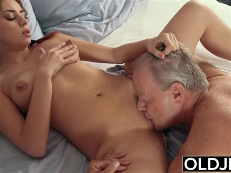 Sexy Teen Lets Dad Finger Her Fuck Her And Swallows His