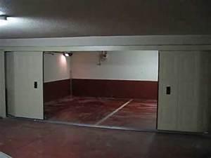 Porte De Garage Sectionnelle Latérale : porte sectionnelle lat rale de garage coulissante automatique crawford sodelec youtube ~ Melissatoandfro.com Idées de Décoration