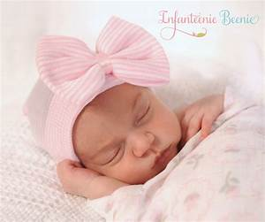 Newborn Hospital Hat with Bow Baby Girl by InfanteenieBeenie