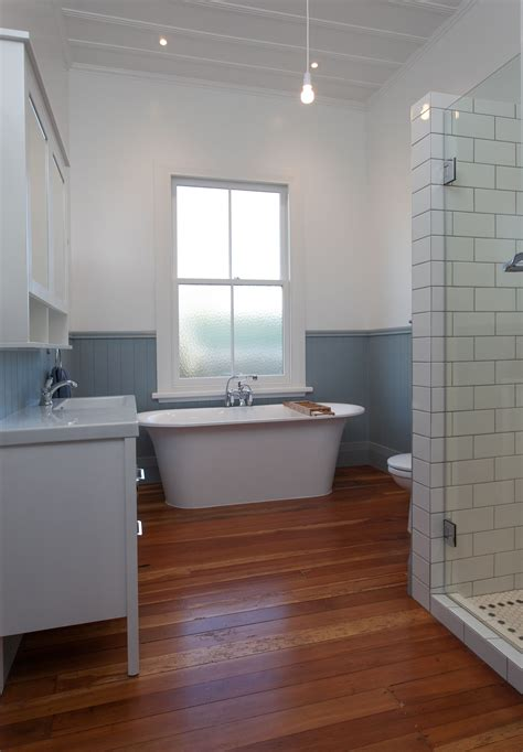 renovated bathroom   villa cambridge