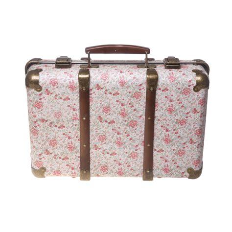 chambre bebe bois blanc valise vintage liberty roses rjb pour chambre enfant