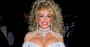 Dolly Parton: 10 of the Star's Best Looks