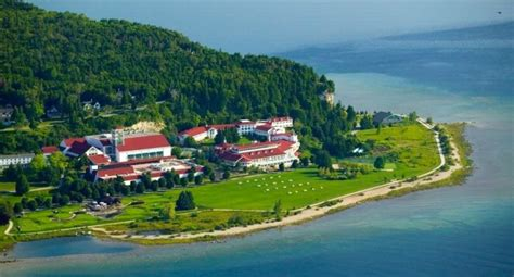 10 Best Beach Resorts In Michigan