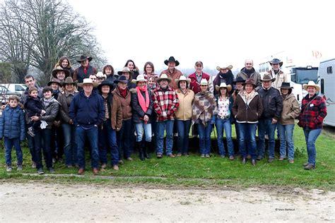 le bureau la garde la ranch association garde le cap avec un bureau