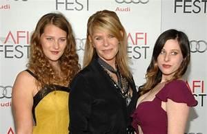 Sasha Spielberg Photos Photos - Celebs at the Lincoln AFI ...