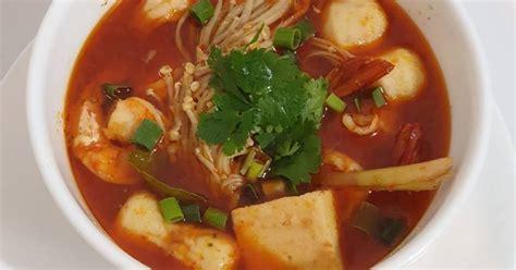 Namun pada resep mie kuah tomyam ini akan membuat tom yam yang di padukan dengan mie. 2.158 resep kuah tom yam enak dan sederhana - Cookpad