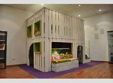 DIY Kids Playhouse Of Wooden Pallets Kidsomania