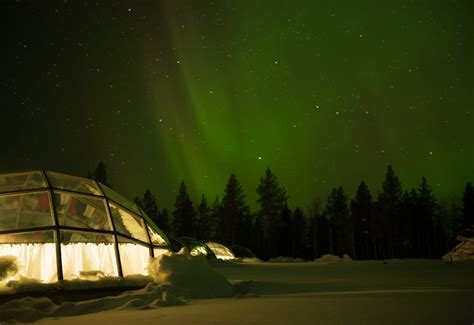 northern lights igloo dozing the northern lights what could be